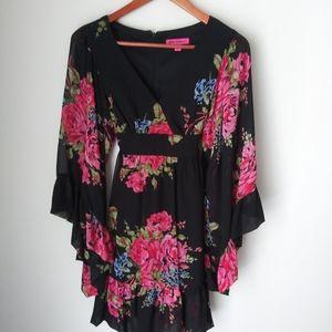 Betsey Johnson bohemian floral dress Size 6